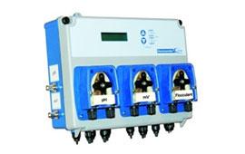 Измерительно-дозирующая станции серии Kommander с функцией управления фильтрацией и нагревом бассейна